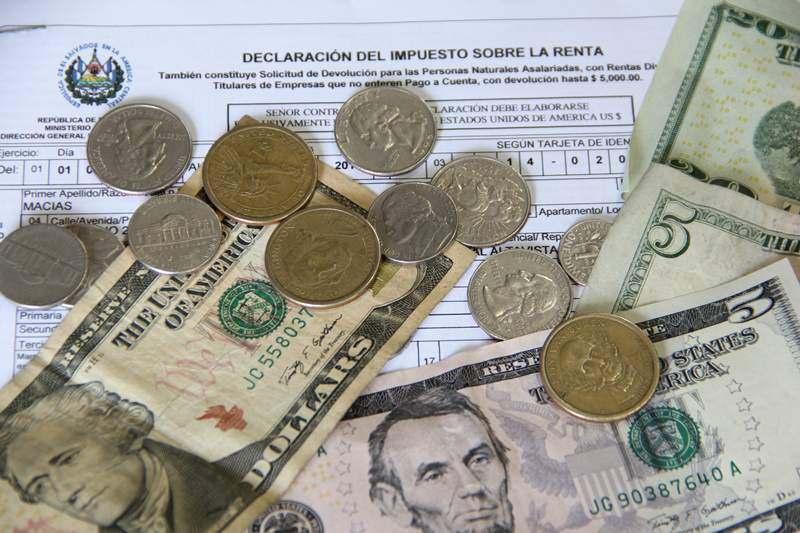 Impuestos y más impuestos en El Salvador