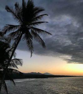 Thumbnail Lista de Playas en El Salvador