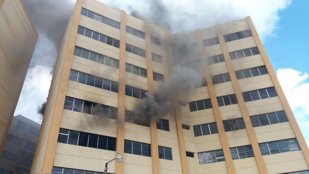 Ministerio de hacienda de quemandose