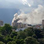 Thumbnail Imagenes y videos del edificio de ministerio de hacienda quemándose