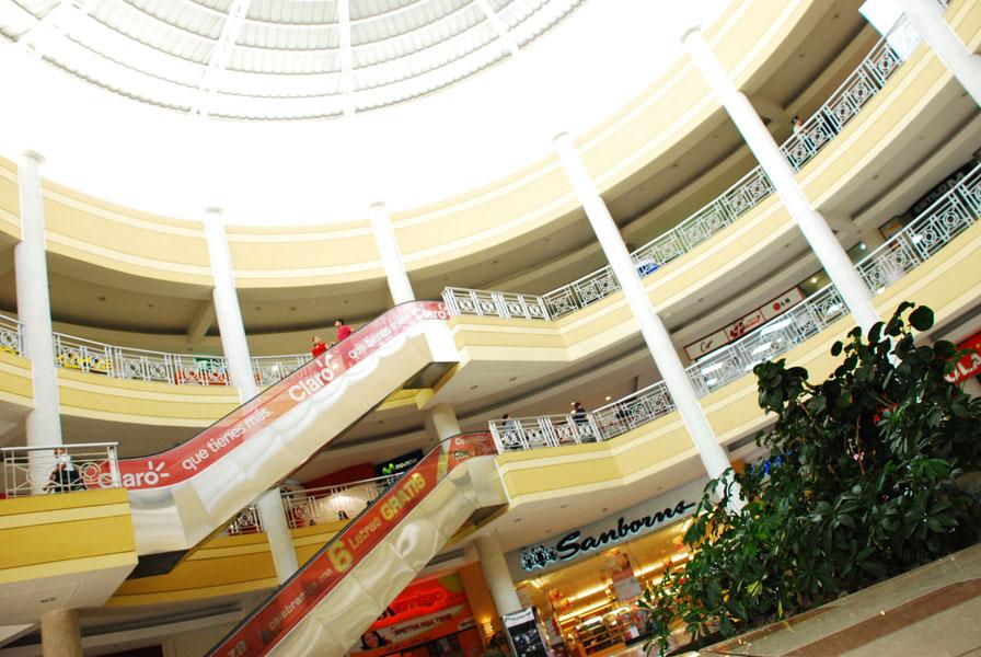 centros comerciales de el salvador mas importante
