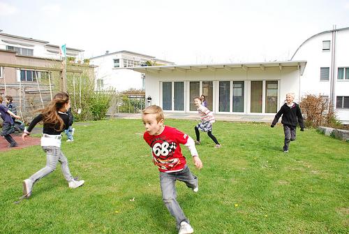 niños jugando landa