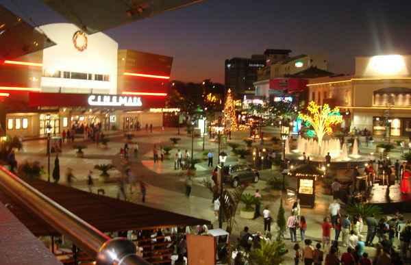 3 centros comerciales que no puedes dejar de visitar en el for Gran via el salvador