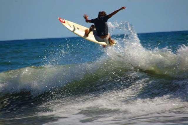 Playas para hacer Surf en El Salvador sunzal