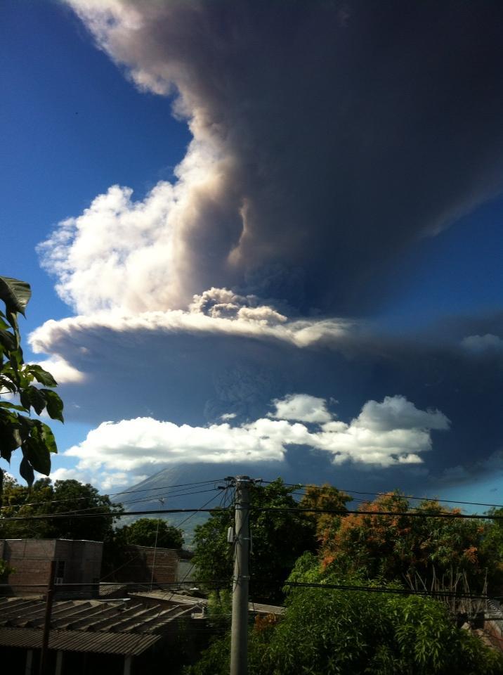 Volcan de Chaparrastique haciendo Erupcion_2