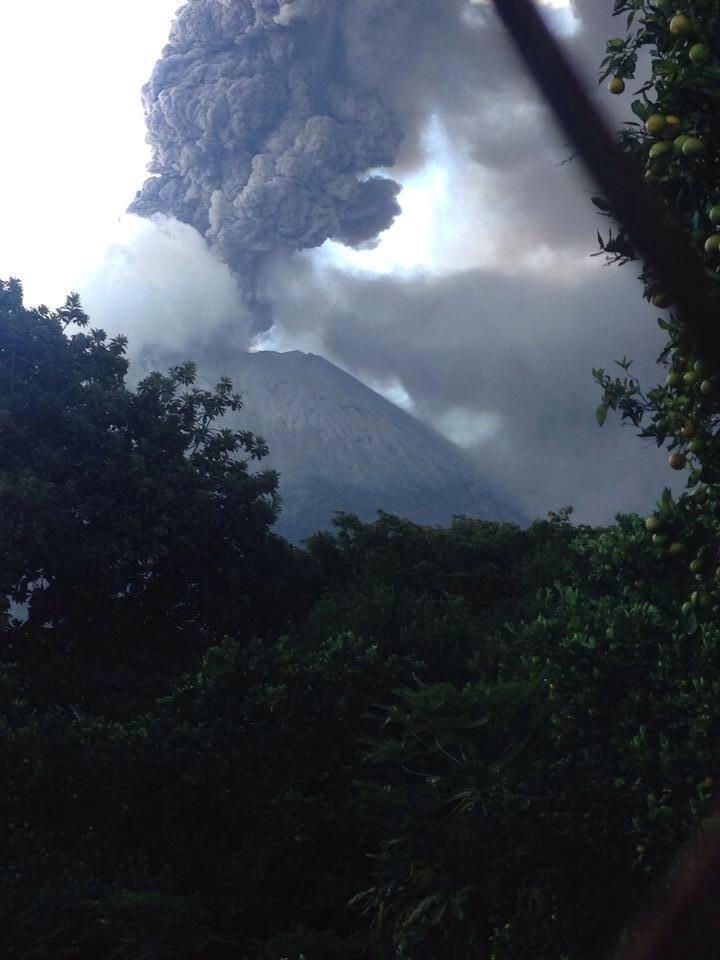 Volcan de Chaparrastique haciendo Erupcion_5