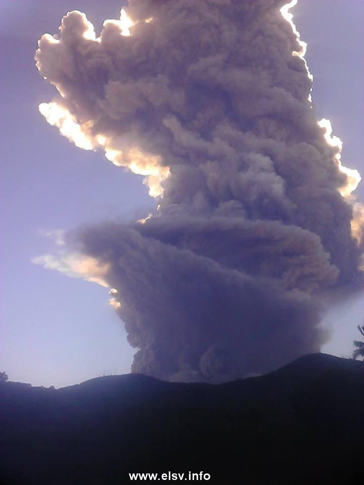 Thumbnail Oficial: Alerta amarilla por actividad sísmica volcán de San Miguel