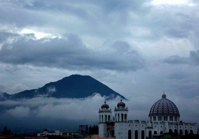 Thumbnail ¿Es bueno el invierno para hacer turismo en El Salvador?