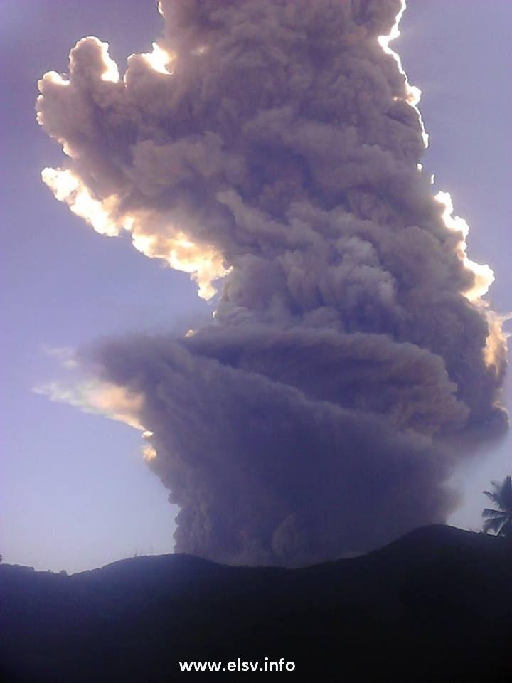 Thumbnail Ultimas noticias volcan de San Miguel hace erupción (29-12-2013)